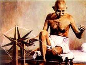 מהאטמה גנדי עסק באריגה בנול וטוויית חוטים בפלך וראה באקט זה ריפוי לאומה ההודית כולה
