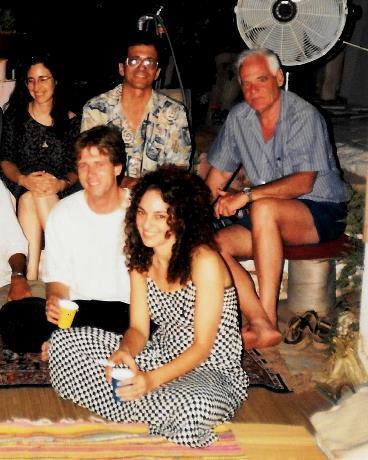 אחת הפגישות הראשונות עם שיבוג'י, 1994. מימין: עמרם בילו, אלה בילו ואני עם חברים
