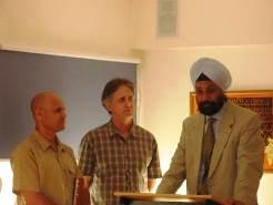 עם שגריר הודו בהשקת הספר