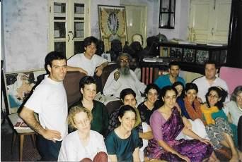 סדנא ראשונה עם תלמידים שלי בוראנאסי, מרץ 99
